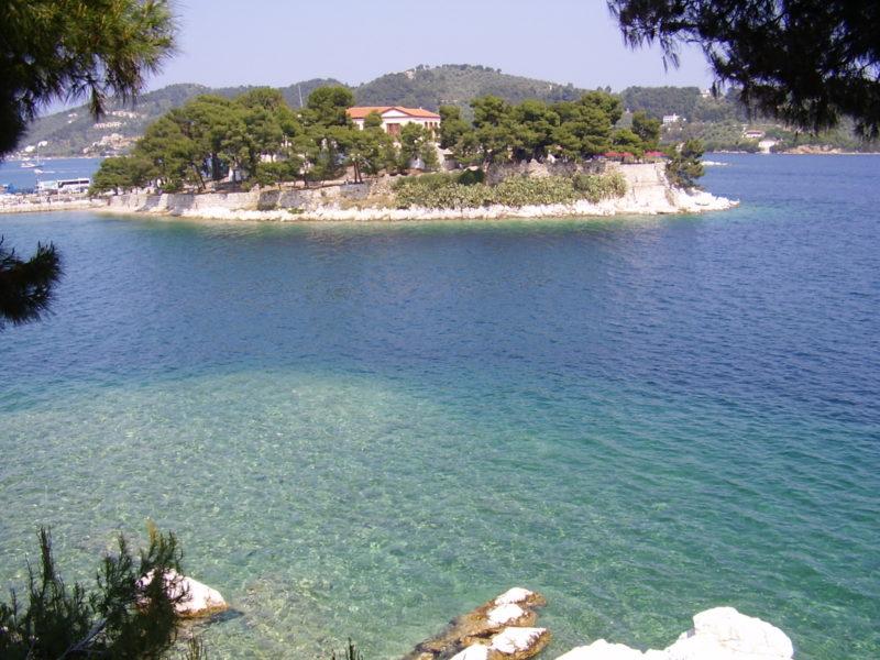 Burtzi: pevnost v přístavu Skiathos