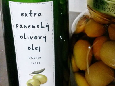 Olivový olej: Extra virgin, virgin nebo z pokrutin? Jak se v nich vyznat a který je nej?