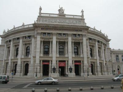 Burgtheater: Kde hrával Pavel Landovský