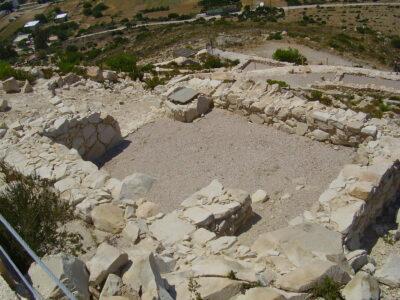 Emborio: jediná významná archeologická lokalita na ostrově