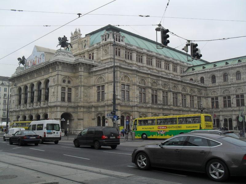 Staatsoper: Dílo českého architekta Josefa Hlávky