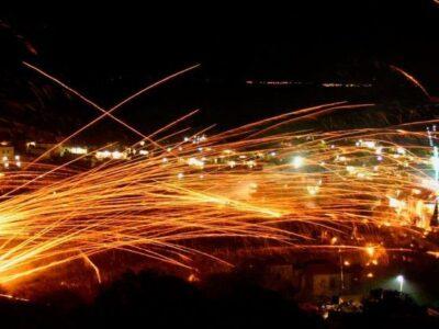 Velikonoce na Chiosu: Válka ohňostrojů